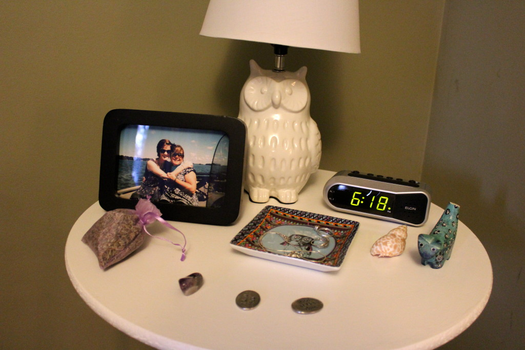 bed side table 1